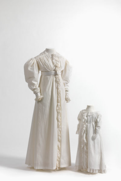 Negligee in cotton, trimmed with frills in embroidered cotton batiste, and child's negligee in cotton, also trimmed with frills in embroidered cotton batiste