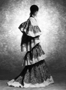 evening gown and jacket in printed silk, with bands of flounced lace on top, in imitation Chantilly bobin lace